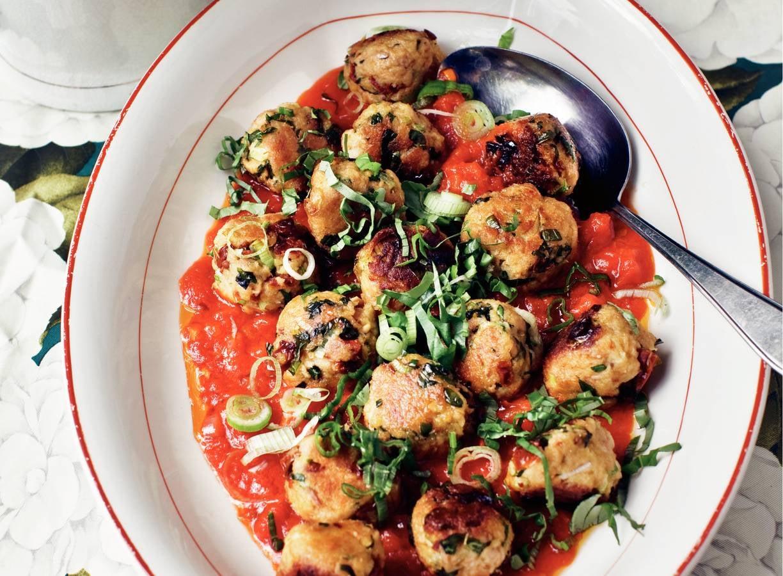 Tonijnballetjes in tomatensaus