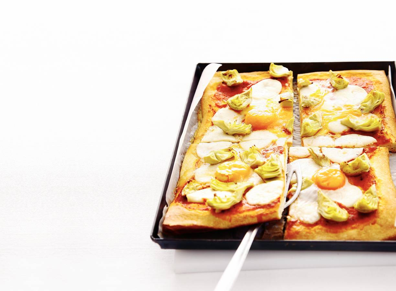 Plaatpizza met ei