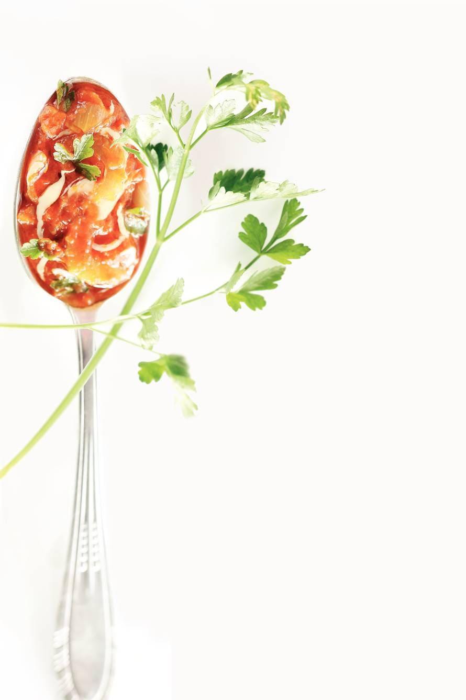 Tomaten-kaassaus