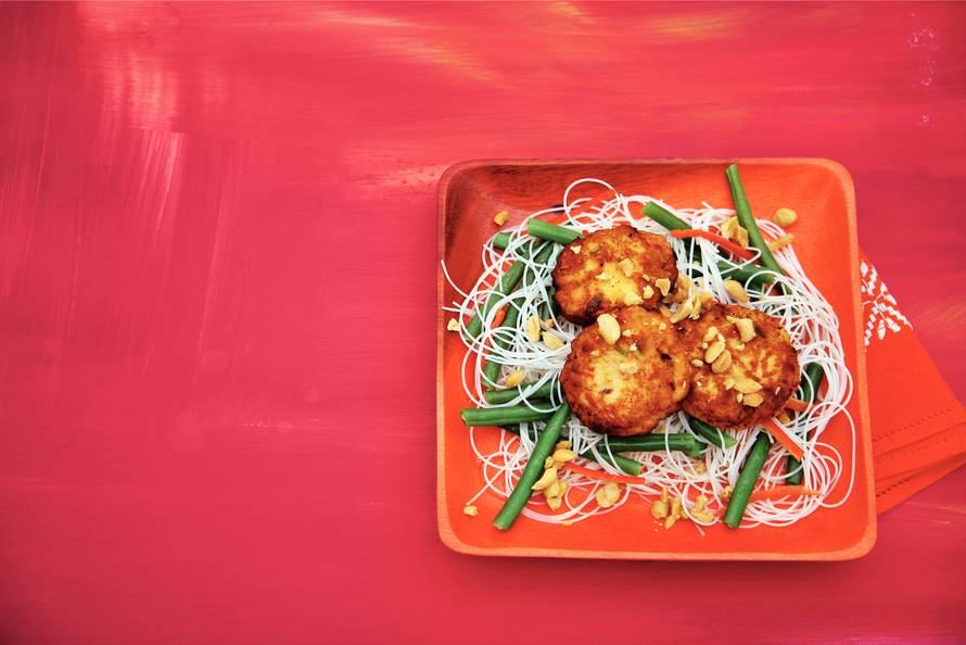 Thaise visballetjes met noedelsalade