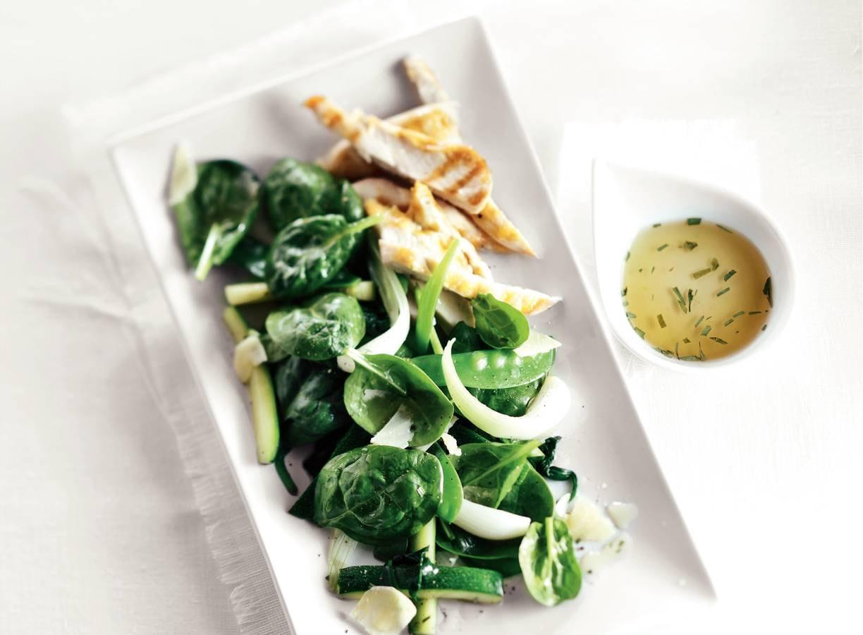 Gekonfijte groenten met gegrilde kip
