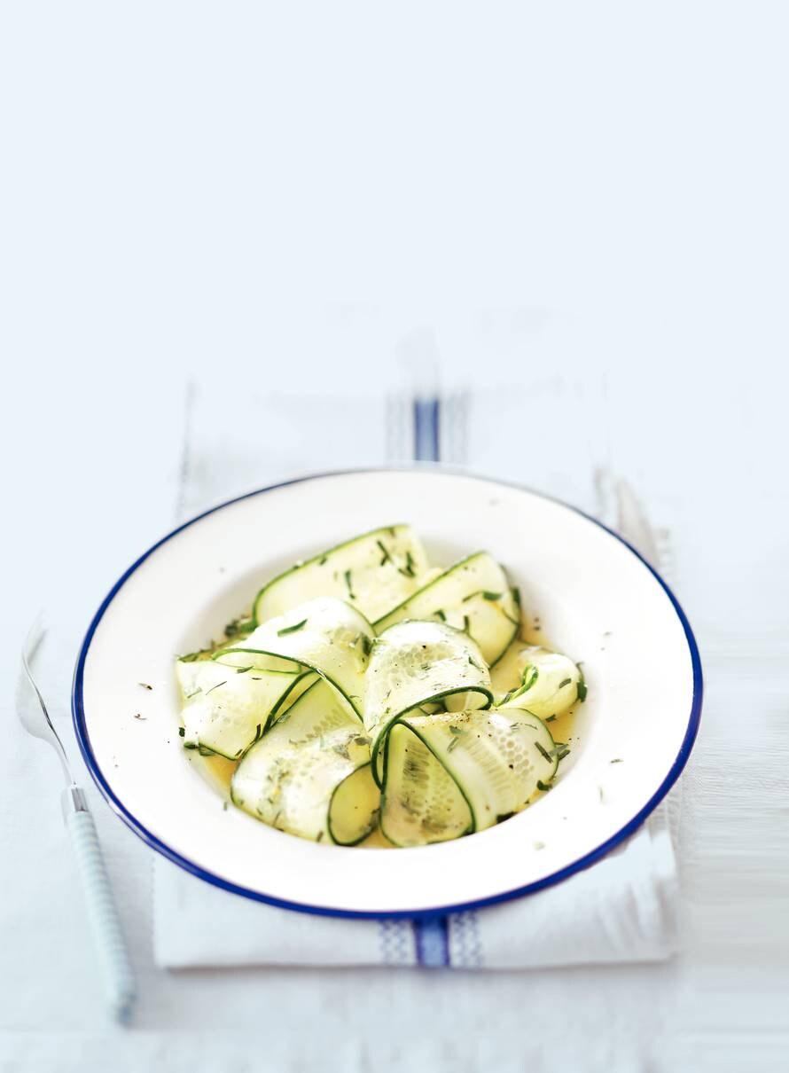 Komkommer met mosterddressing