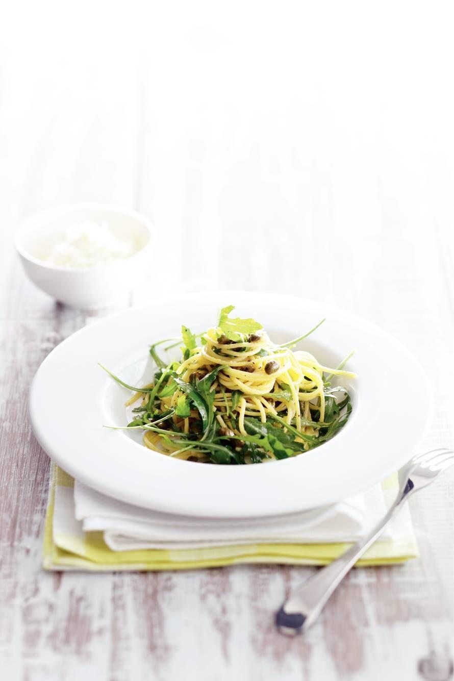 Spaghetti citroen, kappertjes en rucola