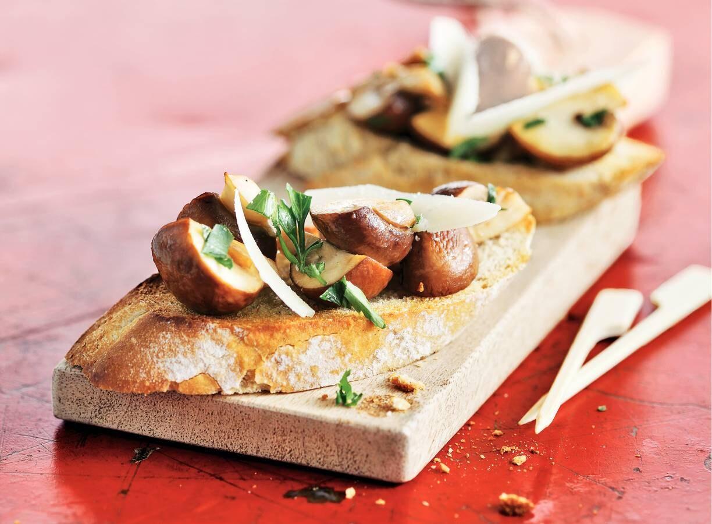 Stokjesbrood champignons met knoflook