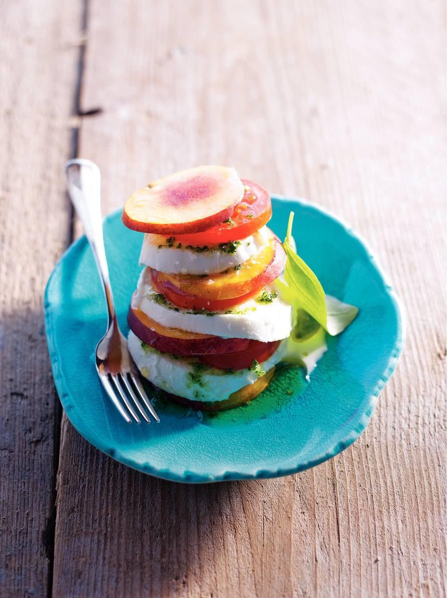 Salade caprese met nectarine