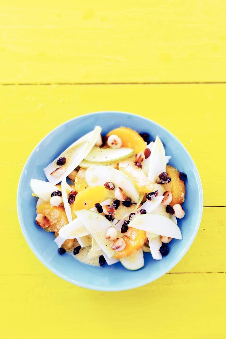 Witlofsalade met knapperige noten