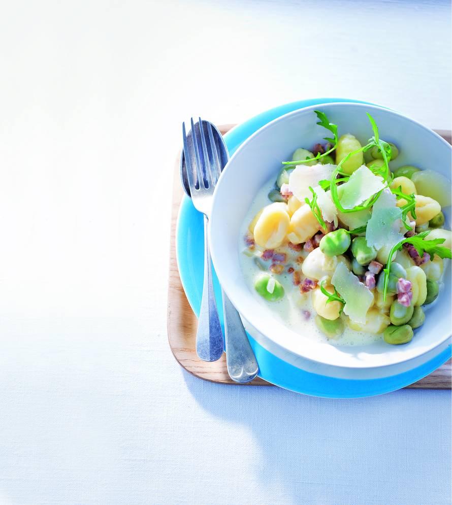 Gnocchi met spek en tuinbonen