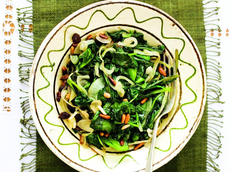 Kortgebakken spinazie met ui