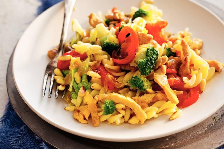 pasta recepten met kip en paprika