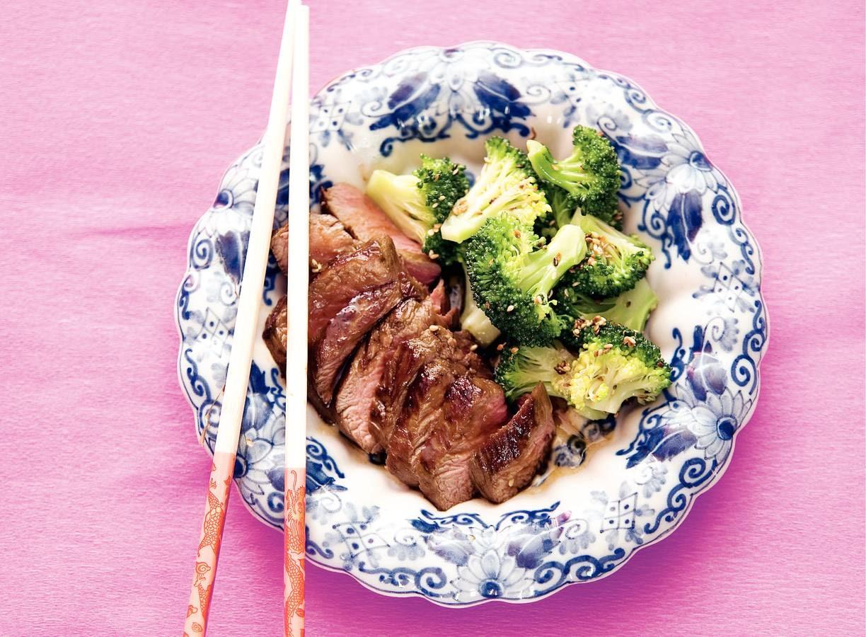 Rundvlees teriyaki met sesam-broccoli