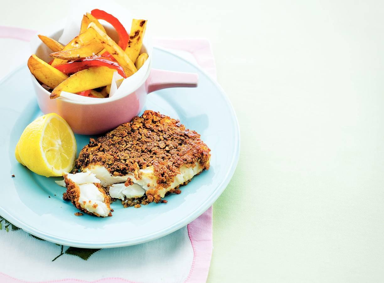 Krokante vis met gele en rode friet