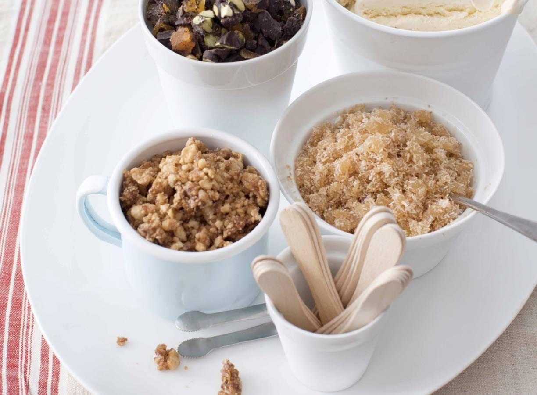 Vanille-ijstopping chocolade-abrikozen- pistache
