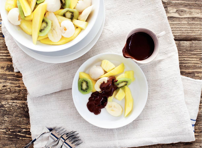 Fruitsalade met chocoladesaus