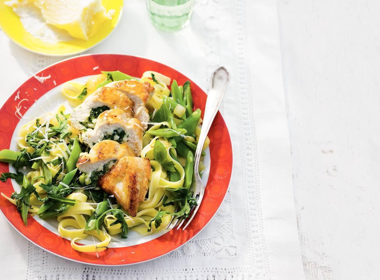 Tagliatelle, kipfilet en groene groenten