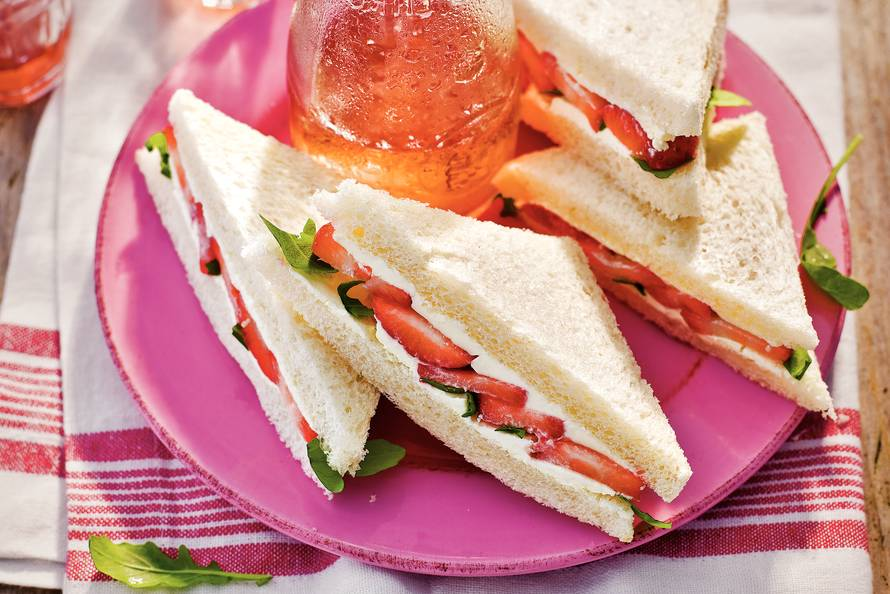 Super Sandwich aardbei - Recept - Allerhande - Albert Heijn &SY73