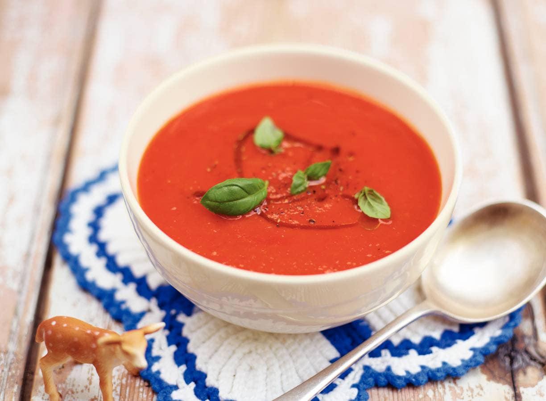 Soep van tomaten en rode paprika