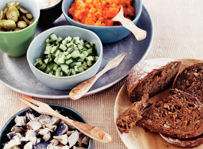 Komkommersalade augurk en haring
