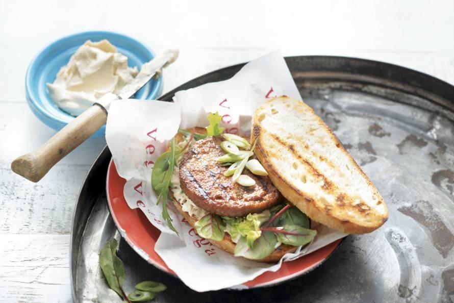Vegaburger met hummus