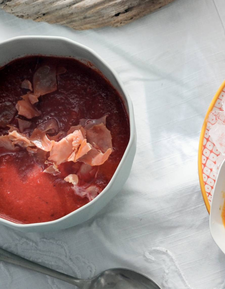 Rode gazpacho met biet en serranoham