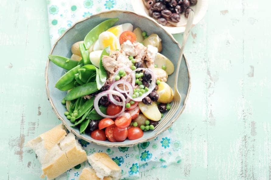 Niçoise met peultjes en tuinerwten