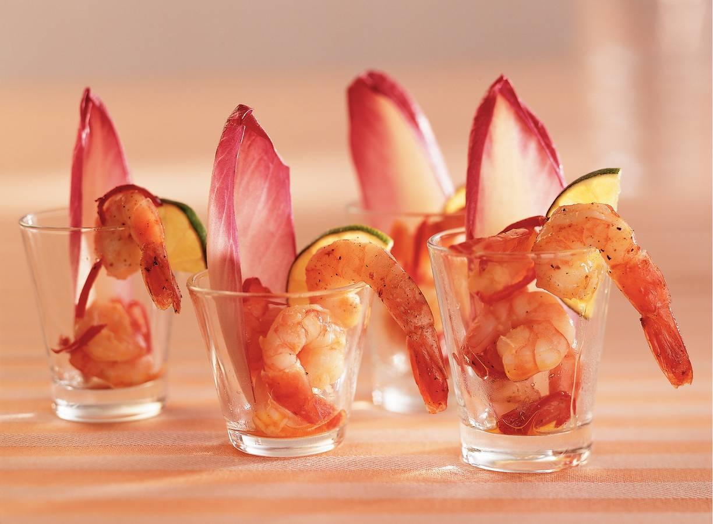 Knoflook-chiligarnalen in kleine glaasjes