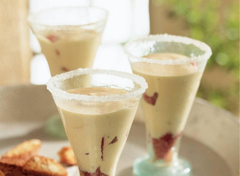 Zabaglione (dessert van eierdooiers en wijn)