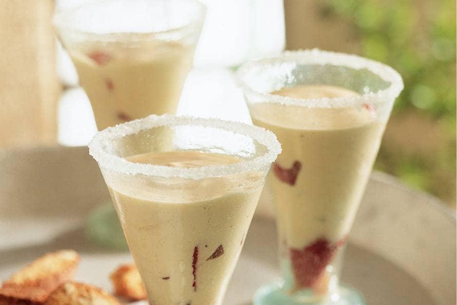 zabaglione (dessert van eierdooiers en wijn) - recept - allerhande