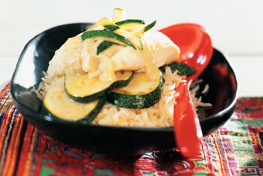 Curry van kabeljauw en courgette