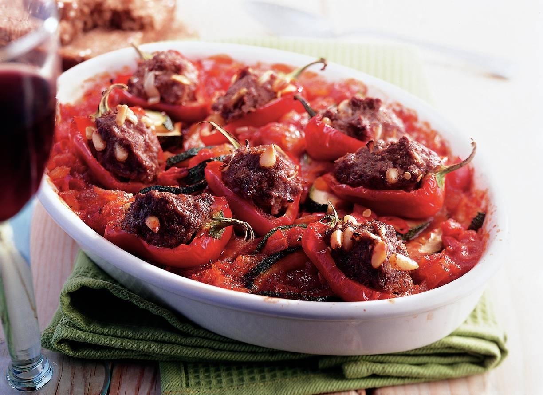 Gevulde cherrypaprika's uit de oven