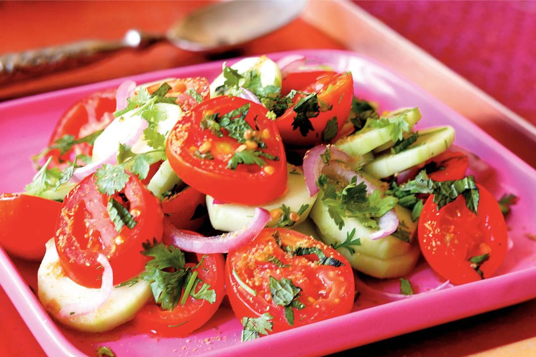Tomatensalade met komkommer