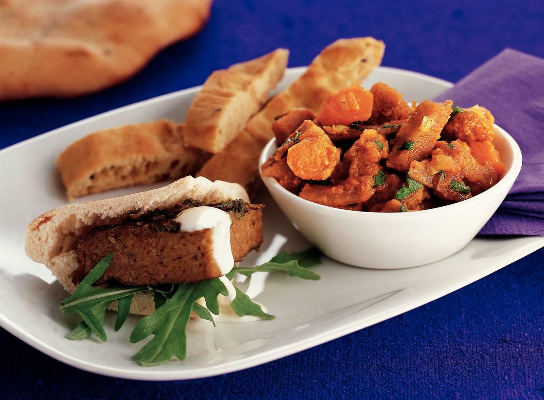 Vegetarische curry met naanbrood