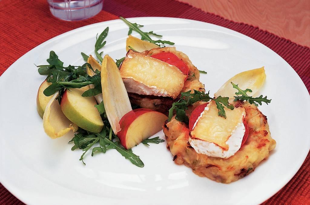 Aardappel-koolkoekjes met camembert - Albert Heijn