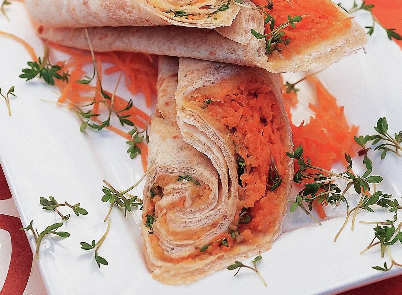 Wrap met wortel en kikkererwtenpuree