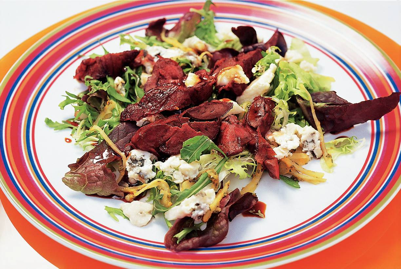 Eikenbladsalade met kippenlevertjes