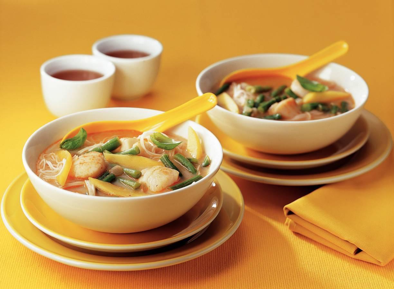 Thaise currysoep met coquilles en mango