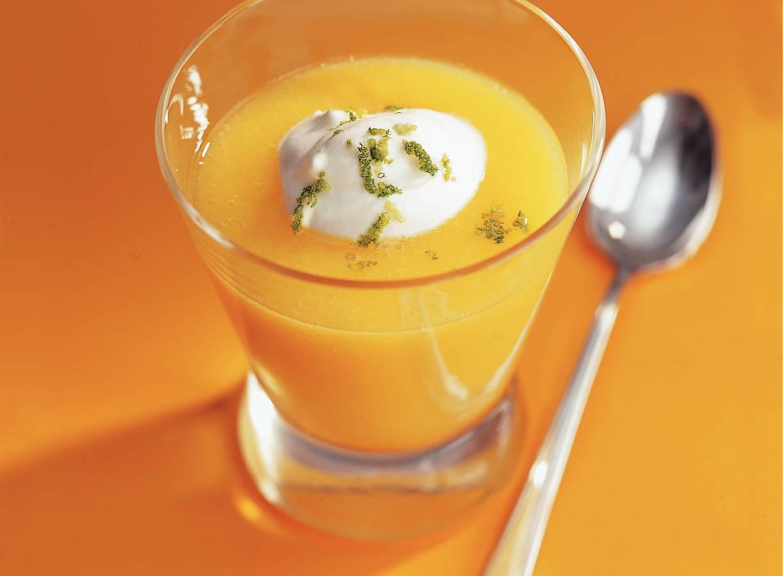 Mangosoep met limoenyoghurt