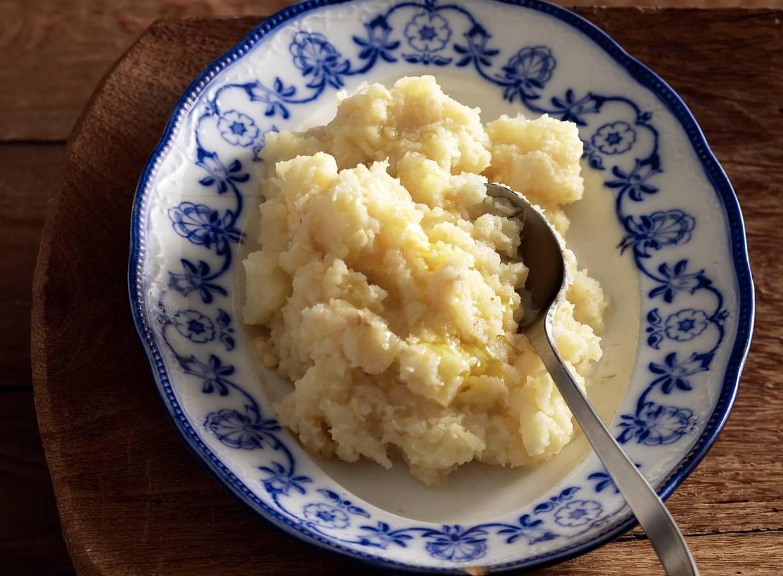 Knolselderij met oude kaas en truffelolie