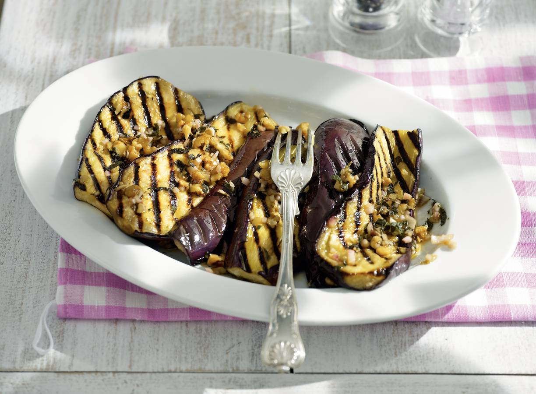 Gegrilde aubergines met munt