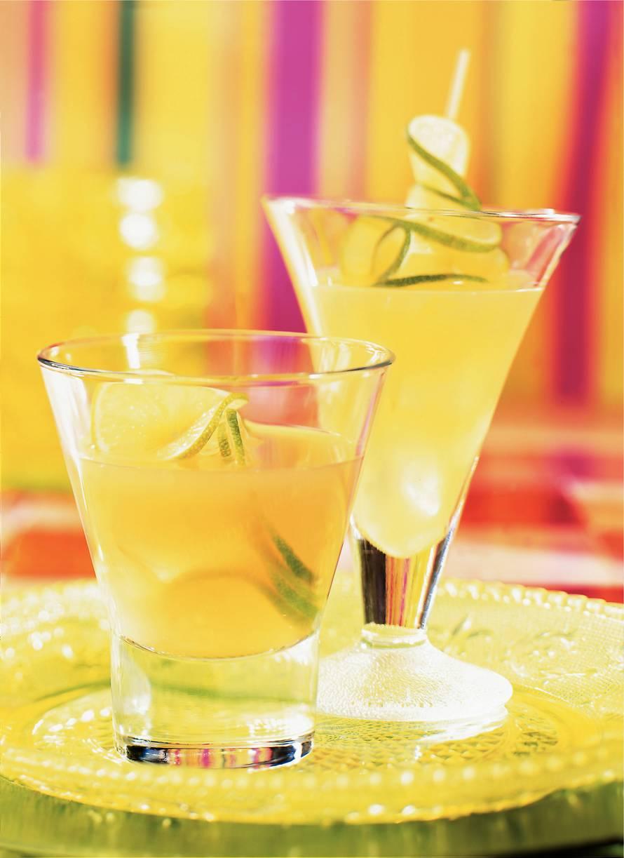Frisse fruitdrank: limoen-ananasdrank