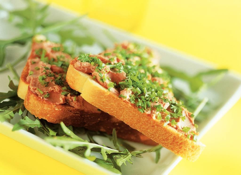 Patétoast met tuinkruiden - Albert Heijn