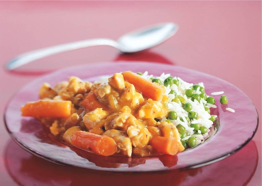 Kip in currykokossaus