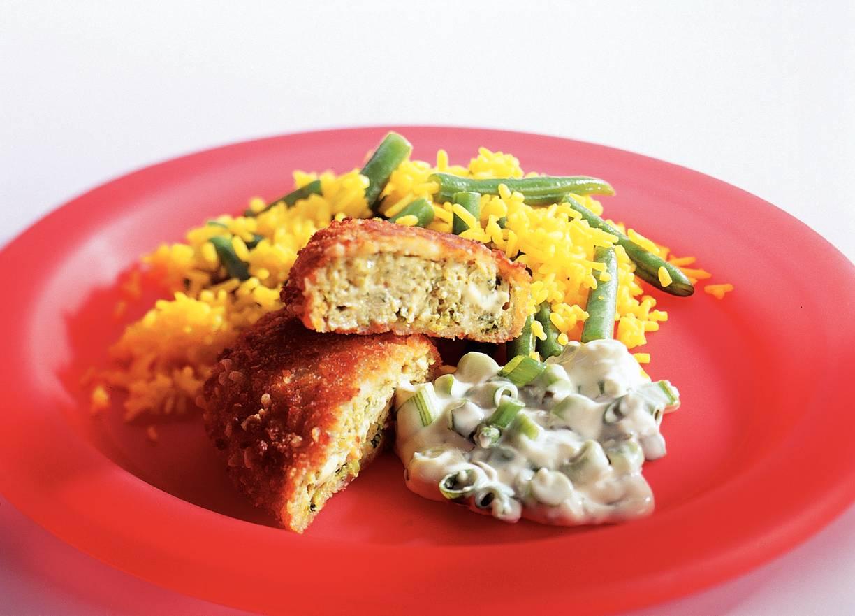 Broccolischnitzel met gele rijst