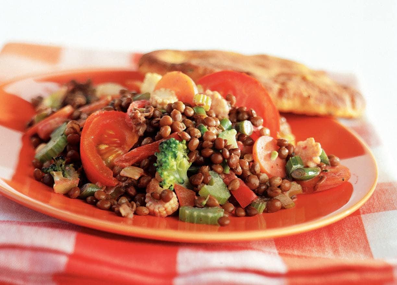 Linzencurry met tomaat en wokgroenten