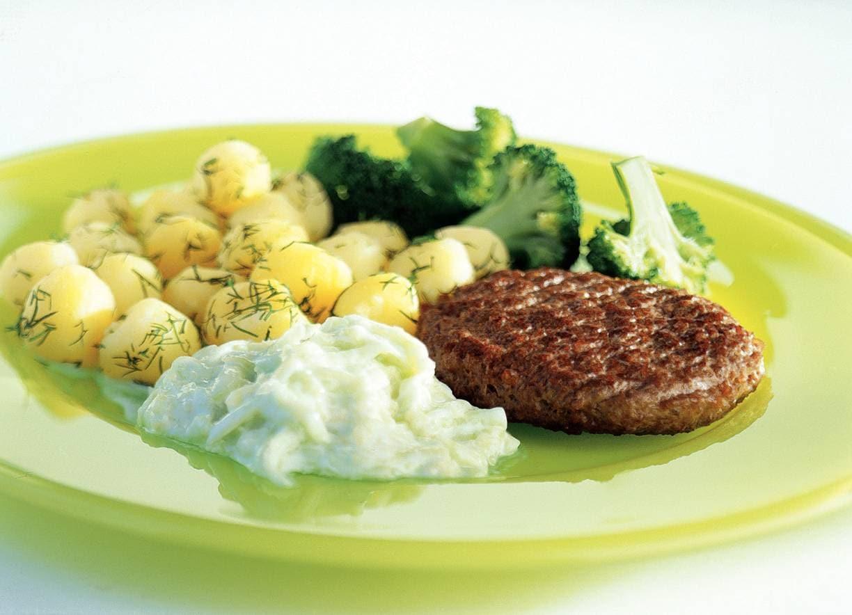 Steak met komkommersaus