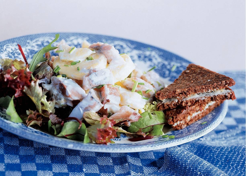 Lauwwarme aardappelsalade met haring