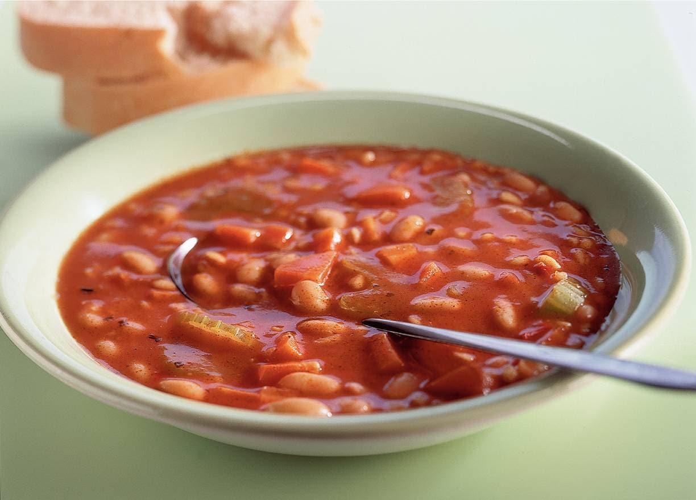 Italiaanse tomatensoep met witte bonen
