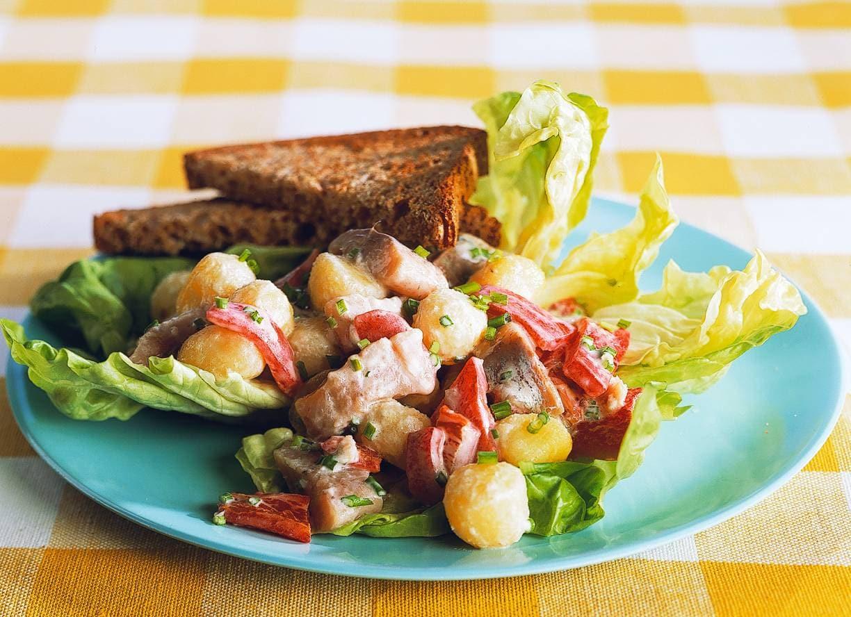 Aardappelsalade met haring en paprika