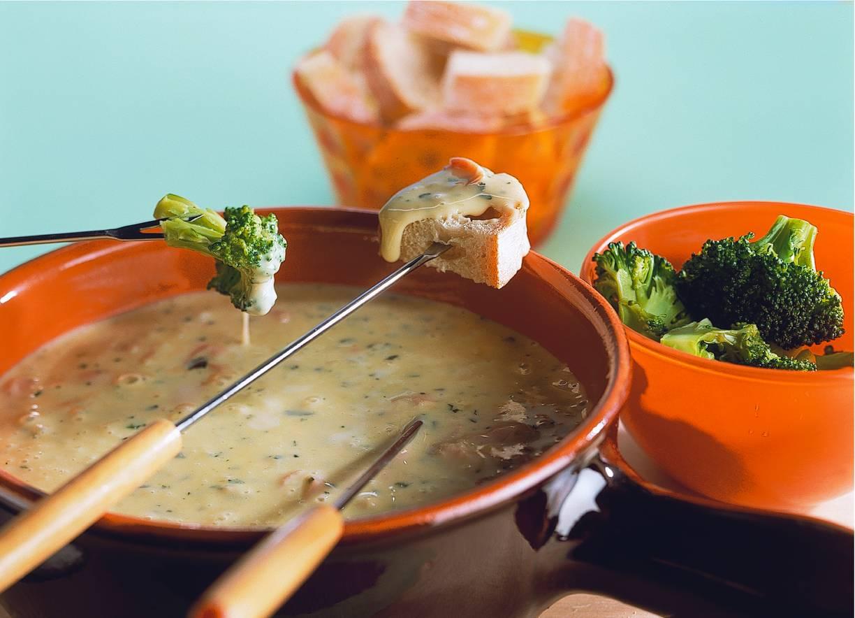 Kaasfondue met ham en pesto