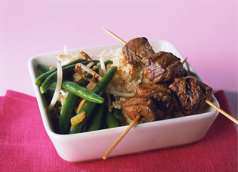 Couscous met biefstukspiesen