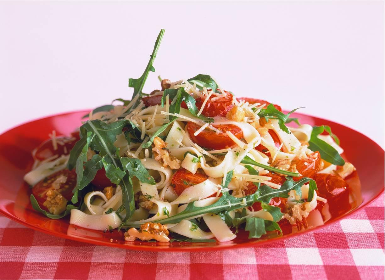 Tagliatelle met geroosterde tomaatjes